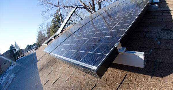 太陽光発電にとって効率的な屋根とは